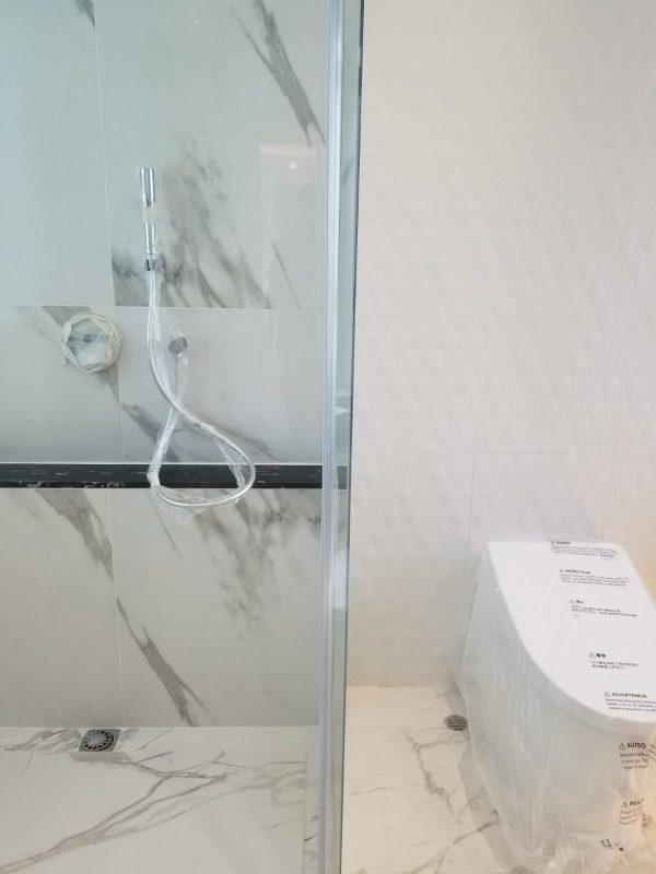 Master bathroom_2